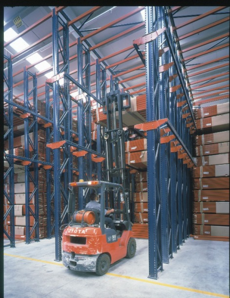 Drive-in-Pallet-Racking-09